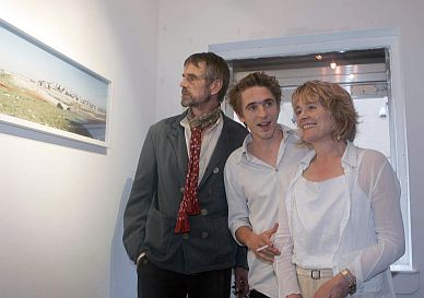 Jeremy Irons, Sam Irons and Sinéad Cusack